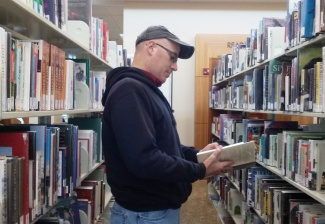 Folsom Library-Malereader-CindyFazziPic