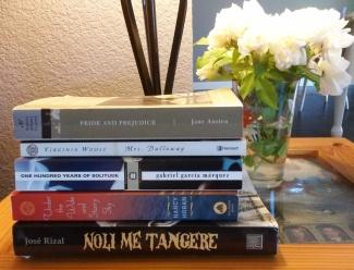 Books-WhiteRoses-CindyFazziPhoto